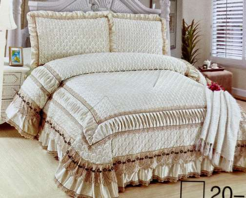 bed cover cream white image 1