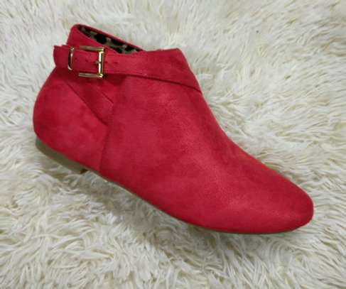 Flat suede Ankle boots image 3