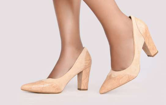 Chunky closed heels image 6