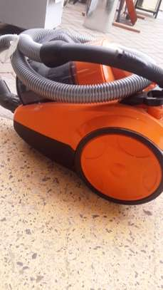 Vacuum cleaner image 3