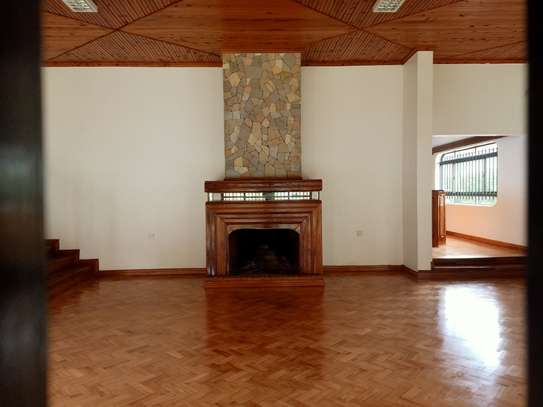 commercial property for rent in Gigiri image 8