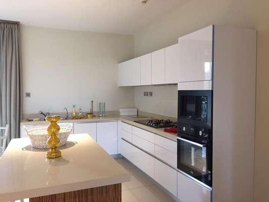 Furnished 3 bedroom apartment for rent in Parklands image 5