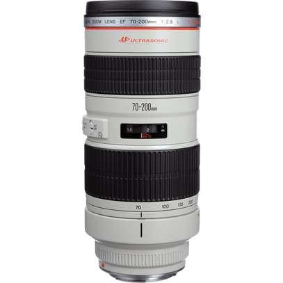 Canon EF 70-200mm f/2.8L USM Lens (NO Image stabilisation) image 1
