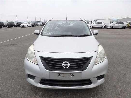 Nissan Tiida image 5