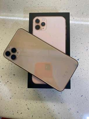 Apple Iphone 11 Pro Max  : Green 512Gb & Iwatch Series 3 ( gps and cellular version ) image 1