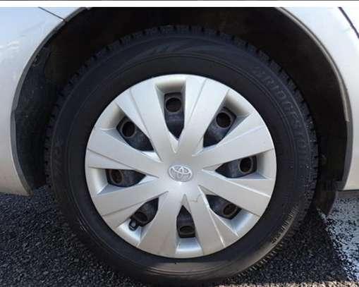 Toyota Fielder Hybrid image 3