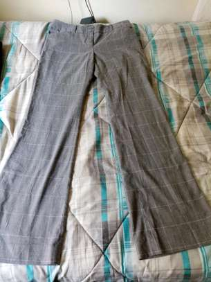 Second hand Lady trousers. image 3