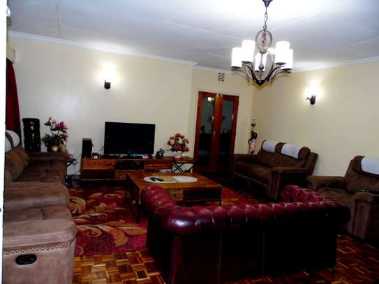 4 bedroom house for rent in Kyuna image 4