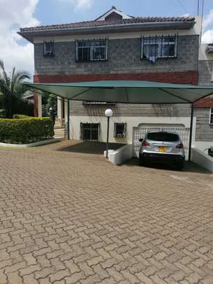 6 bedroom townhouse for rent in Lavington image 2