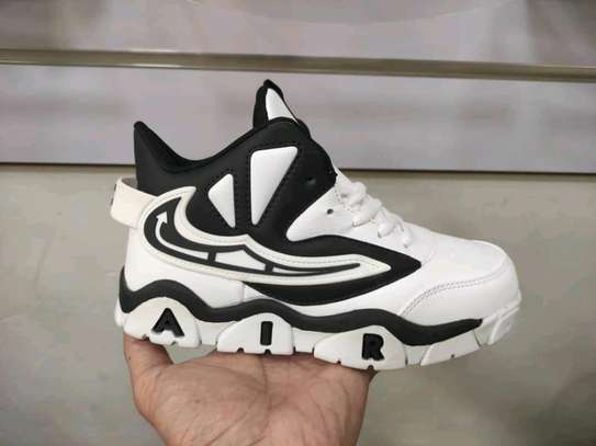 Nike Air max shoes image 1