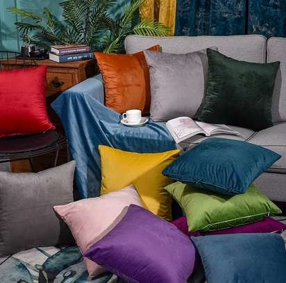 THROW PILLOWS FOR YOUR SEATS image 1