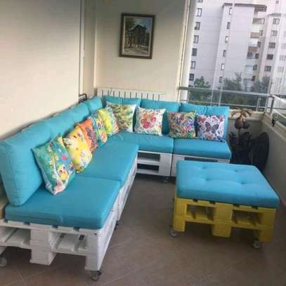 6 Seater Beautiful Versatile Modern Pallet Sofa + Pallet Table image 1