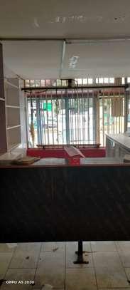 900 ft² shop for rent in Karen image 2