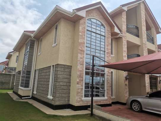AN EXECUTIVE 5 BEDROOMS TOWNHOUSE WITH DSQ image 4