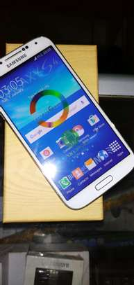 New Samsung Galaxy S4 16GB Smartphone White image 2