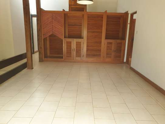 4 bedroom house for rent in Kitisuru image 8