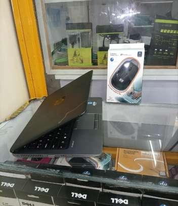 New Laptop HP EliteBook 820 8GB Intel Core I5 SSHD (Hybrid) 500GB image 3