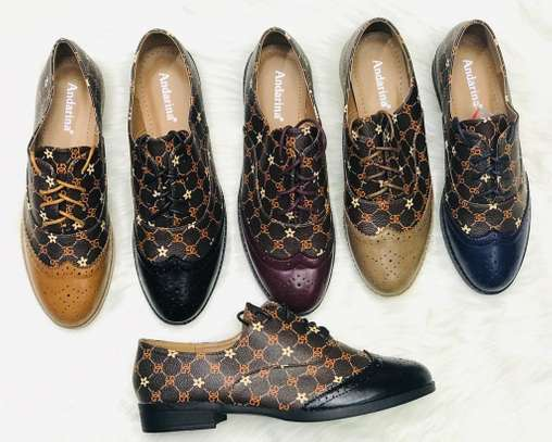 Brogues for ladies image 3