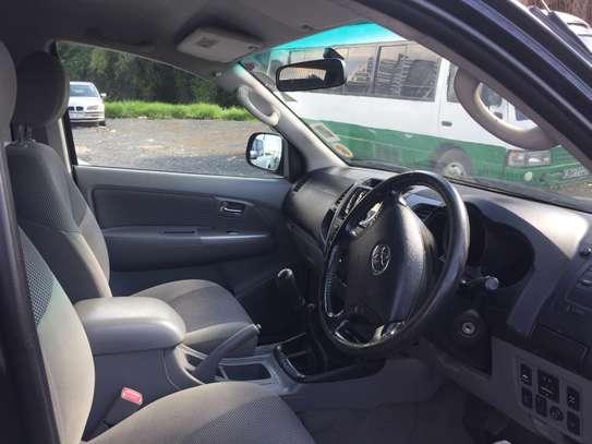 Toyota hilux double cab d4d diesel image 5