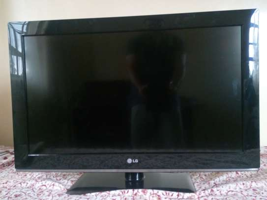 LG TV, 32 inch, Expat owned