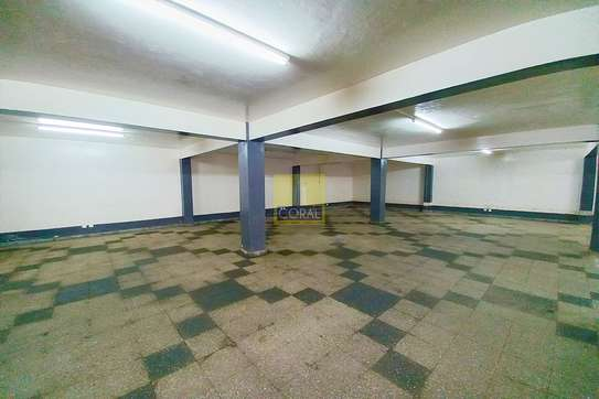2140 ft² shop for rent in Industrial Area image 3
