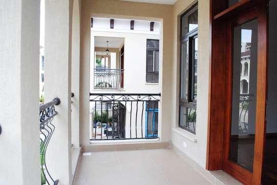 5 bedroom villa for rent in Lavington image 13