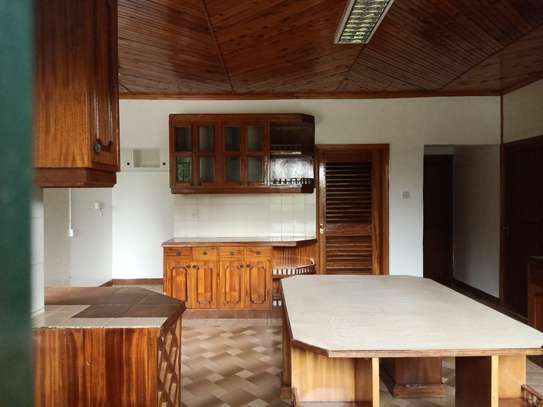 commercial property for rent in Gigiri image 5
