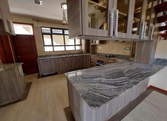 5 bedroom villa for rent in Lavington image 19
