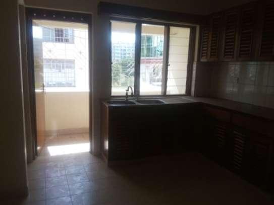 Elegant 3 Bedrooms Apartment To Let in Kilimani image 6