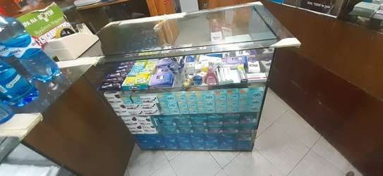 Glass cabinet for retail display image 3