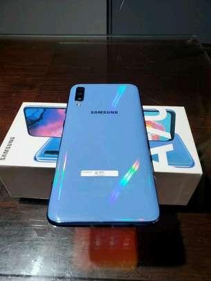Samsung Galaxy A70 [ 128 Gigabytes ] With Charging Pad image 4