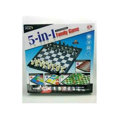 5 in 1 family game image 1