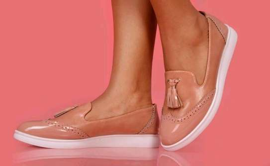 Ladies flat shoes image 1
