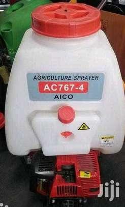 Brand new engine sprayer image 1