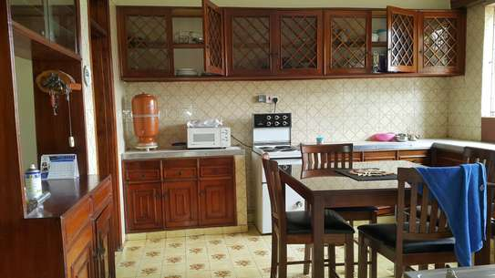 commercial property for rent in Rhapta Road image 4