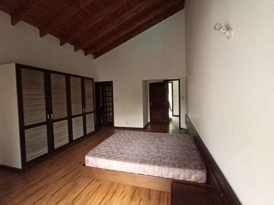 Furnished 1 bedroom apartment for rent in Rhapta Road image 5