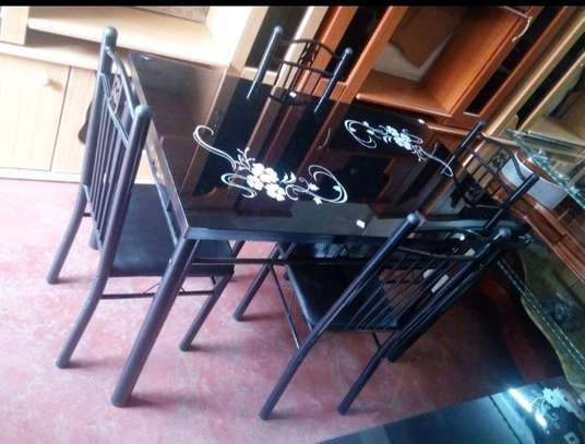 Dining table set d1 image 2