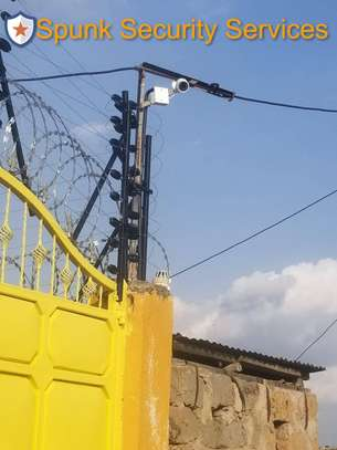 Electric Fence and Razor Wire installation image 4