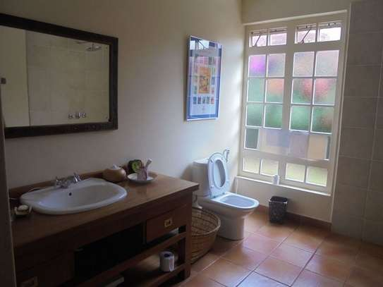 Furnished 3 bedroom villa for rent in Runda image 15