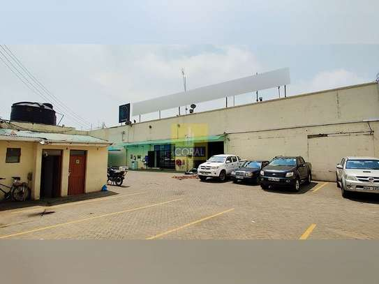 1245 m² office for rent in Industrial Area image 2