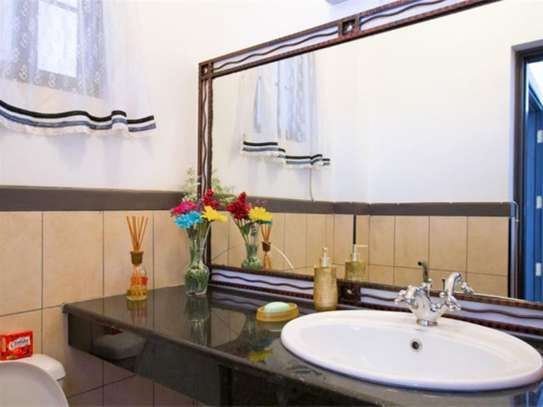 Westlands Area - Flat & Apartment image 11