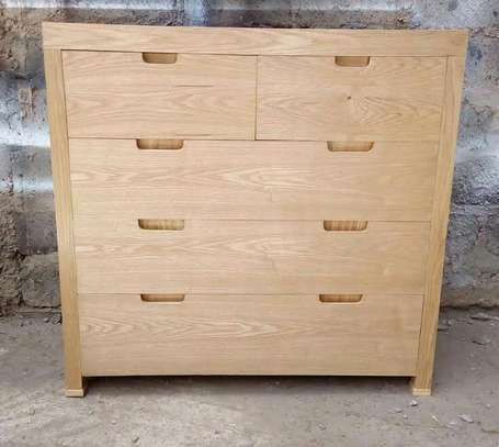DRAWERS:Chest of drawers