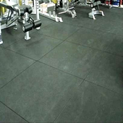 Gym rubber mats flooring. image 3
