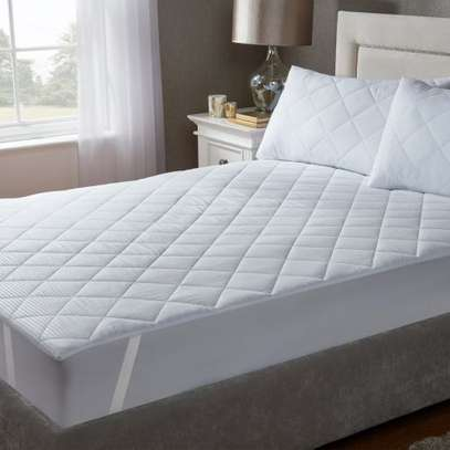 Generic Water proof matress protector Size 5 by 6-White