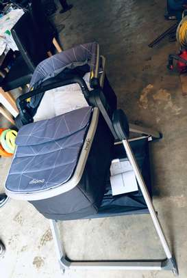 Diono Quantum2 Carrycot And Travel Stand. image 3