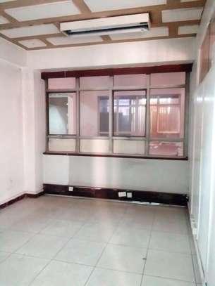 Office To Let 2nd Floor Njengi House Tom Mboya Street image 2