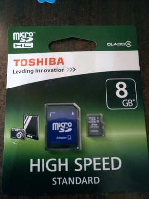 TOSHIBA 8GB Memory Card with Adapter image 1