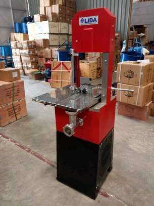 Meat saw machine