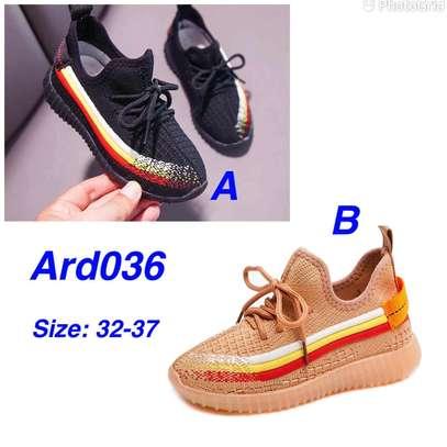 Kids shoe image 1