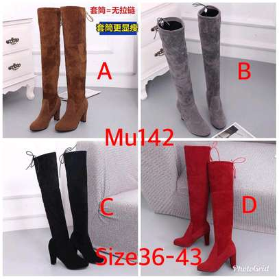 Thigh length ladies warm Boots